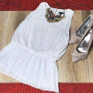 Ann Taylor Summer white pleated blouse